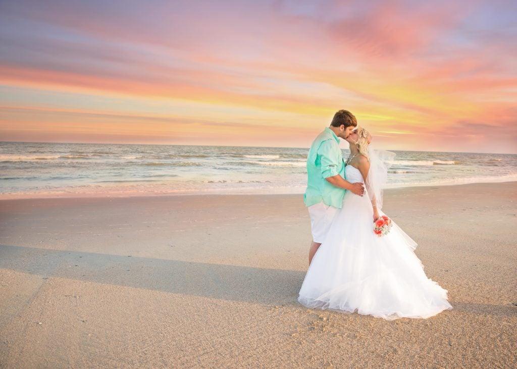 Kissing Couple at beach Photo